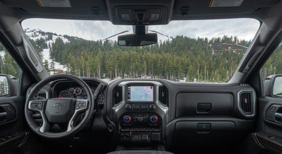 Ele basicamente desliga o motor quando o carro está parado em um semáforo por exemplo, então os outros sistemas de segurança como airbags, e outros itens continuam em sua funcionalidade normalmente.