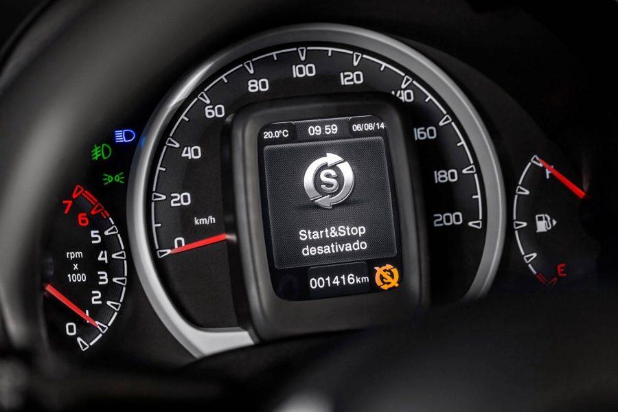 O Uno foi o primeiro modelo nacional a contar com a tecnologia start-stop divulgação/Fiat    Leia mais em: https://quatrorodas.abril.com.br/noticias/descubra-o-que-e-mito-e-o-que-e-verdade-a-respeito-do-sistema-start-stop/