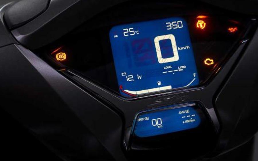 Painel digital é novo no SH 350i e modelo conta com controle de tração