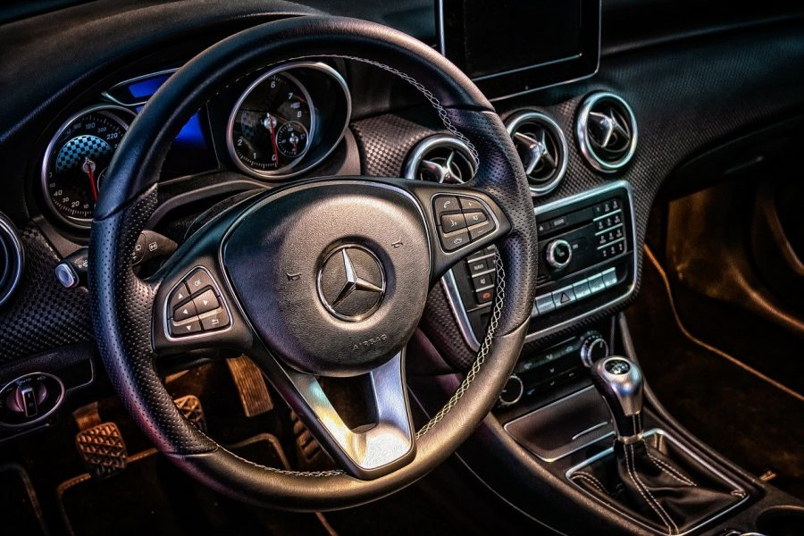 Use o conta-giros! Dentro da cidade, tente manter o giro do motor abaixo dos 3.000 rpm.