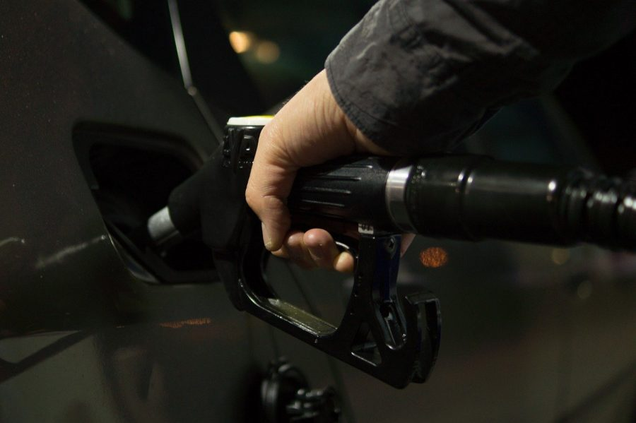 Sempre abasteça o veículo em postos de gasolina confiáveis