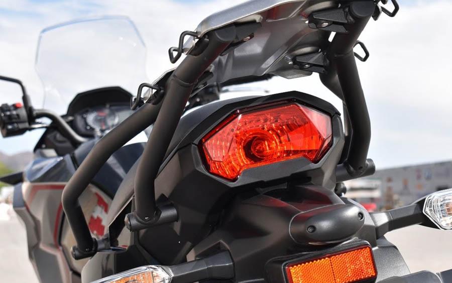 Linha 2021 da Kawasaki Versys-X 300, tem conforto, versatilidade e estilo