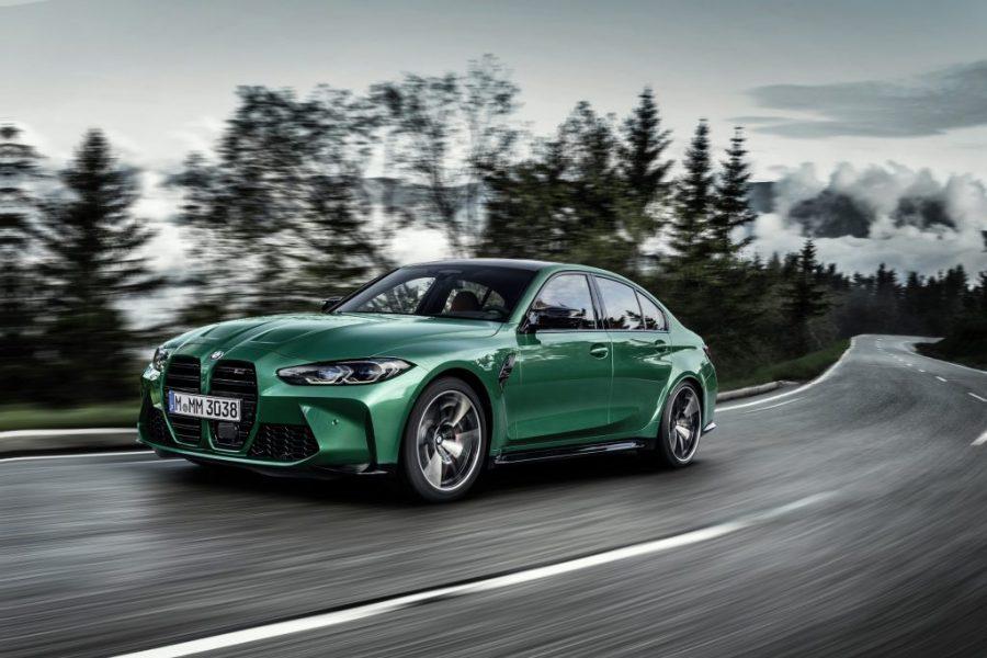 As duas novas versões do BMW M3, a Competition (com preço sugerido de R$ 757.950,00) e a Competition Track (com preço sugerido de R$ 849.950,00), chegam ao mercado brasileiro com algumas unidades a partir de maio de 2021. Após as vendas destas unidades, os demais pedidos poderão ser customizados e feitos também sob encomenda.