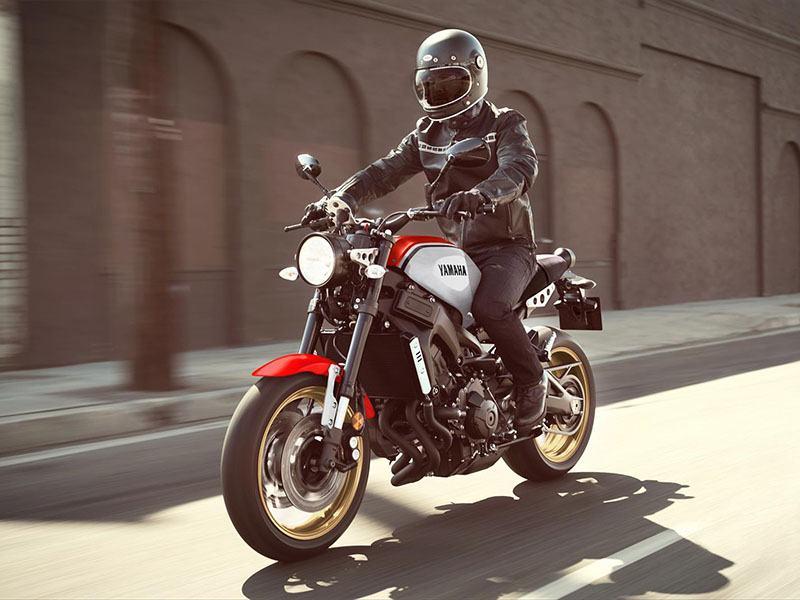 Nova Yamaha XR9 Carbona