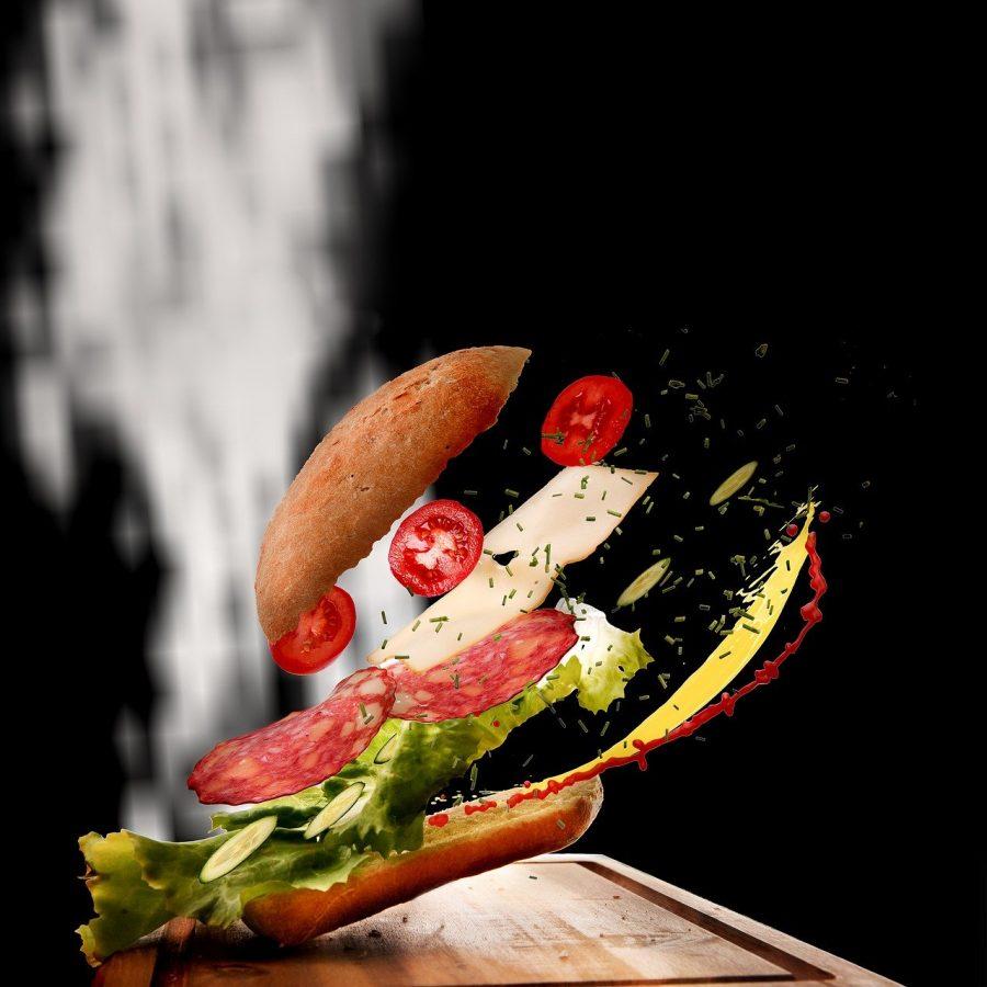 Para evitar o desperdício de comida, retire pelo menos a parte do alimento que entrou em contato com o mosquito