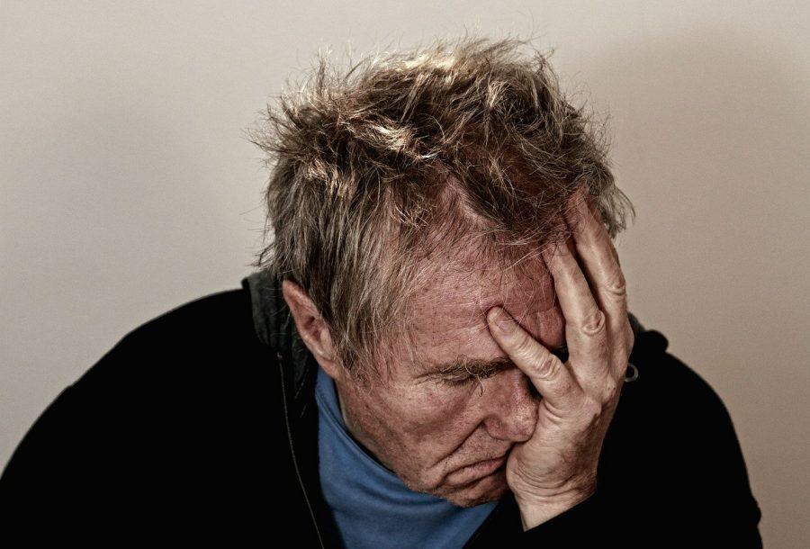 Uma dor de cabeça latejante. Linhas claras em zigue-zague pelo seu campo de visão. Sensibilidade à luz, fadiga persistente e sono interrompido. Embora dor de cabeça incapacitante seja um dos sintomas mais comuns da enxaqueca, a doença pode apresentar qualquer uma dessas experiências