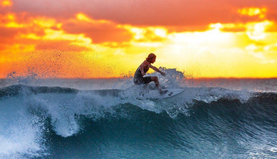 O surfe é uma prática desportiva efetuada na superfície da água, frequentemente considerada parte do grupo de atividades denominadas esportes de aventura, cuja proficiência é verificada pelo grau de dificuldade dos movimentos executados pelo surfista ao deslizar em pé na prancha de surfe, aproveitando a onda que quebra quando se aproxima da praia ou costa.