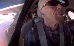 Bilionário Richard Branson da início ao turismo espacial com a Virgin Galactic
