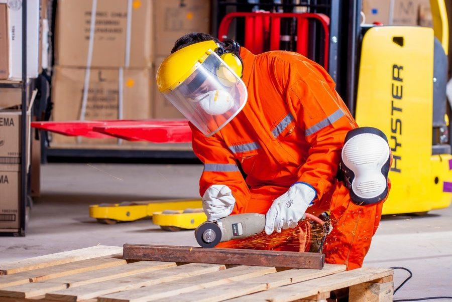 De acordo com os direitos trabalhistas, a empresa que não cumprir com os padrões do Ministério de Trabalho e suas leis, está sujeita a pagar uma multa.