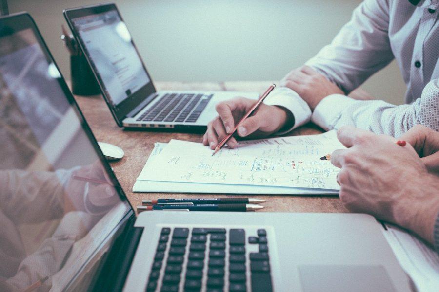 Tem muita gente que quer ser empreendedora, mas algumas vezes se esquece que isso implica mais do que apenas capacidade de organização e motivação do pessoal de trabalho. Também é preciso conhecer sobre regras tributárias e contábeis.