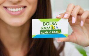 Auxílio Brasil: como funciona e quem tem direito ao programa